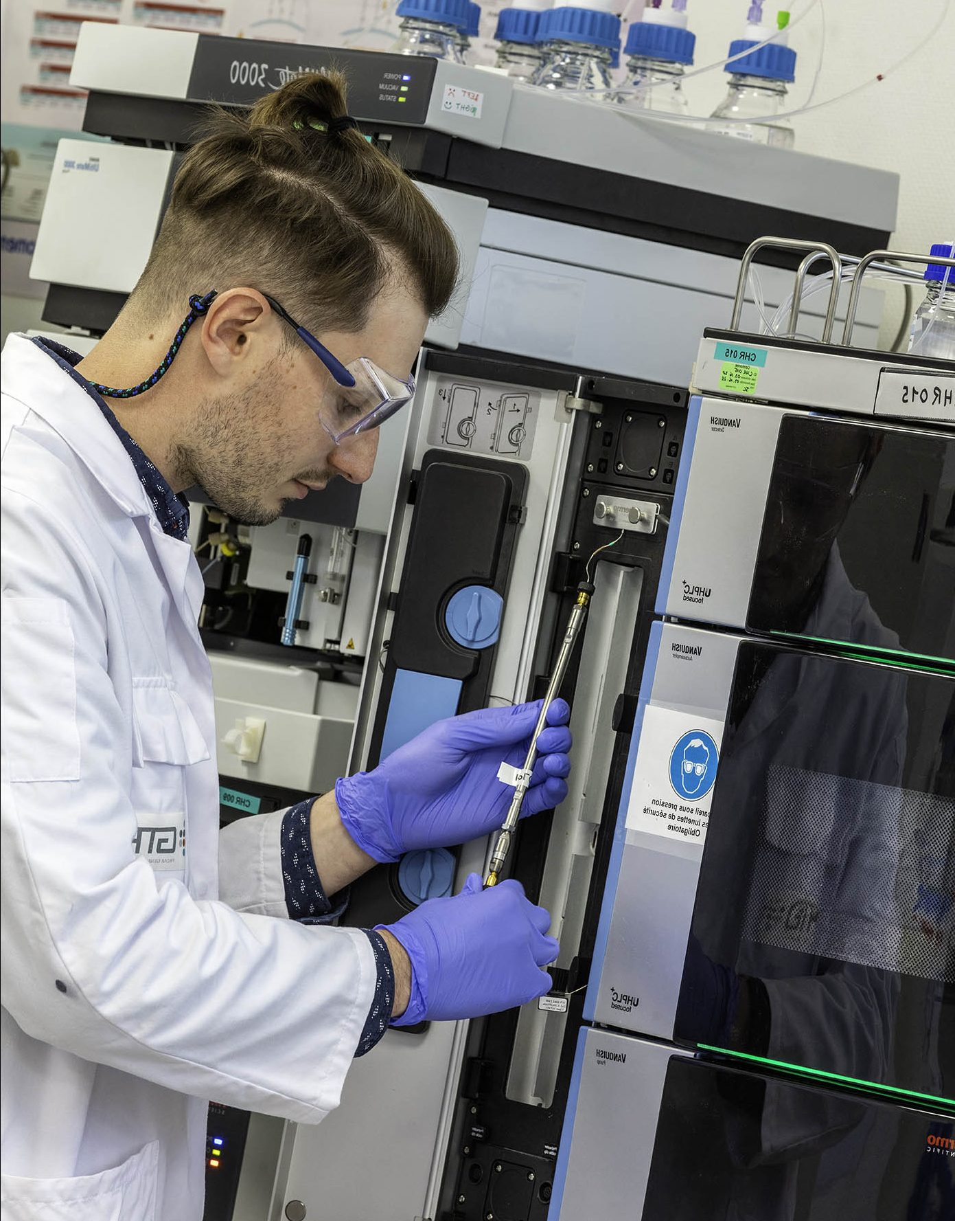Commercial manufacturing of small batches for nanodrugs